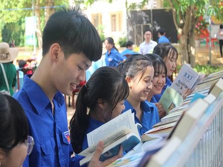 Hớn Quản: Sôi nổi Ngày hội thanh thiếu nhi Hớn Quản với văn hóa đọc sách lần thứ VII, năm 2020.