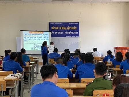 Hớn quản: Tổ chức lớp tập huấn cán bộ Đoàn cấp cơ sở năm 2020